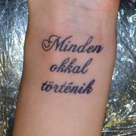 csuklóra tetoválás idézetek Írás Felirat Csuklón Tetoválás Minták Képek   Westend Tattoo